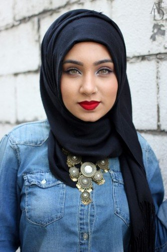 Awesome University Girls Hijab Fashion 2018
