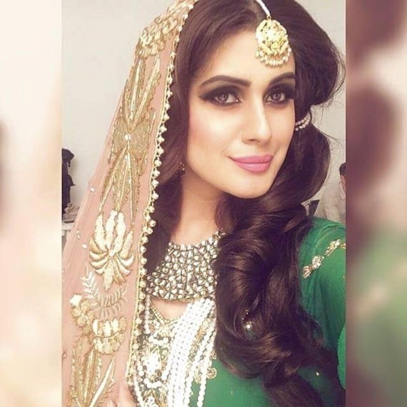 Pakistani Film Star & Actress Kubra Khan Biography