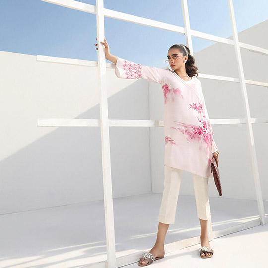 Sana Safinaz Minimalistic Fashion Winter Collection 2020
