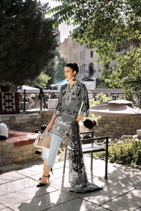 Awesome Gul Ahmed Black & White Lawn Looking Dress 2020
