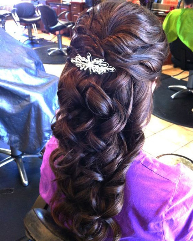 Beautifull Bridel Hairstyle For Ladies Looking Style 2020