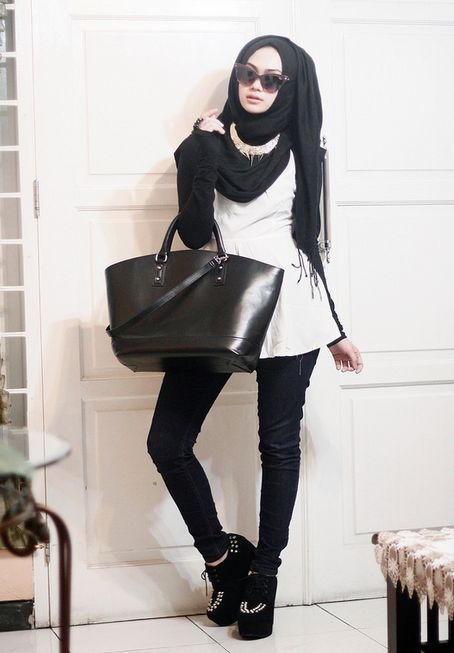 Girls wear outfits with Hijab for Beautiful looking Style 2020