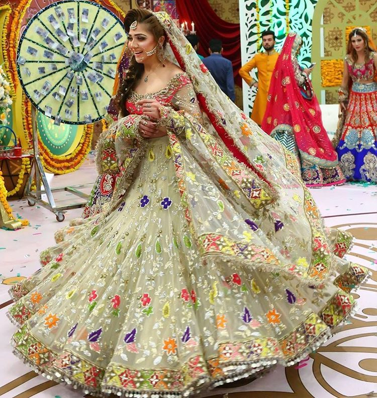 Awesome Pakistani Fancy Dresses For Weddings 2020 2 Magazinevogue Com,Traditional Indian Wedding Guest Dresses For Girls