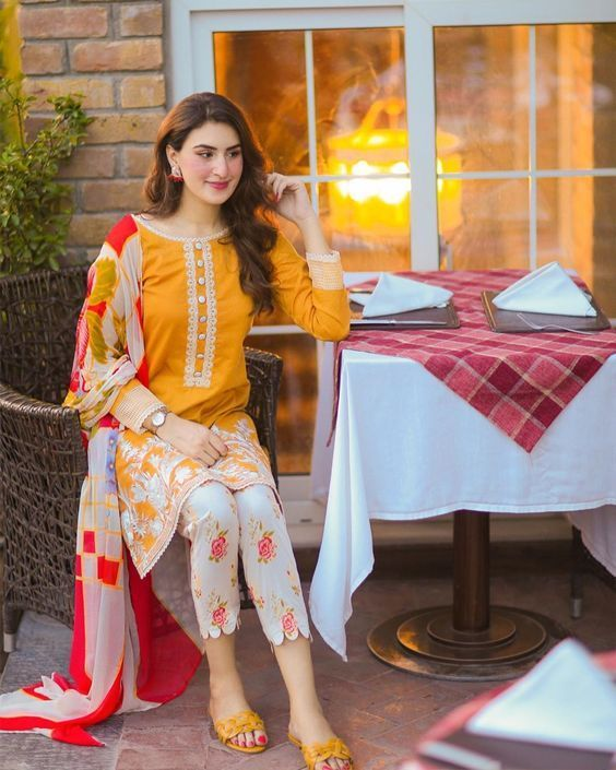 Designers Kurti Designs for Winter Season Looking Dresses 2020