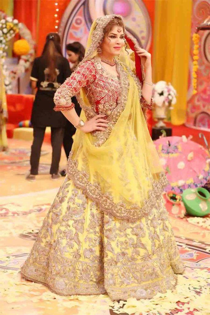 Inspiring Cute Bridal Mehndi Dresses in Pakistan 2020