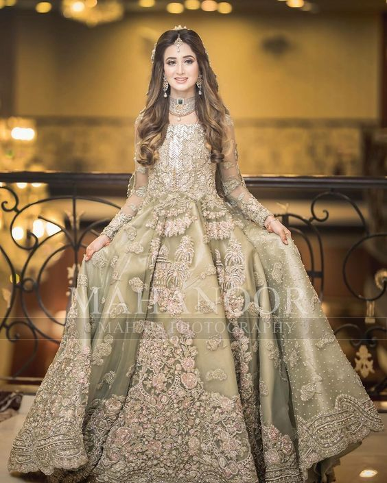 New Bridal Wear Ideas and Designs Looking Dress 2020