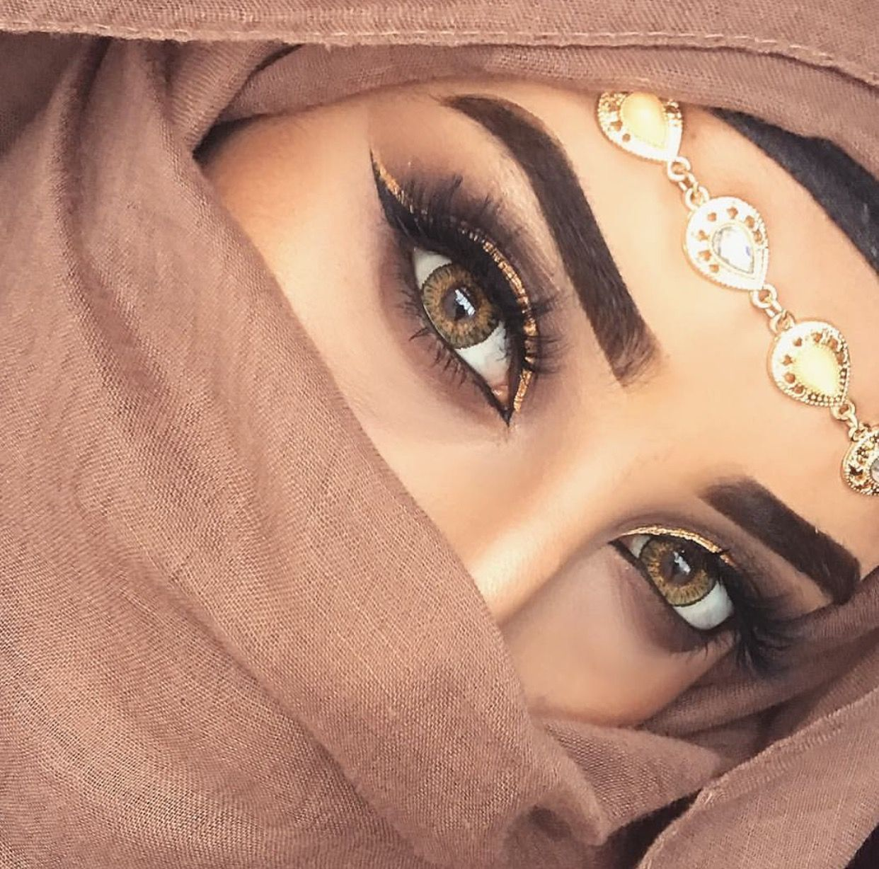 Beautiful Hijab And Abaya Styles For Cute Face Girls 2020