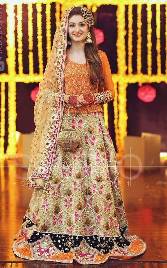 Mehndi Dresses For Beautifull Bridal Looking 2020