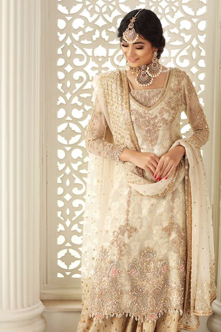 Awesome Pakistani Bridal Dresses Ideas Winter Look 2021