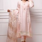 Awesome Sana Abbas Eid Summer Lawn Stylish Looks 2021