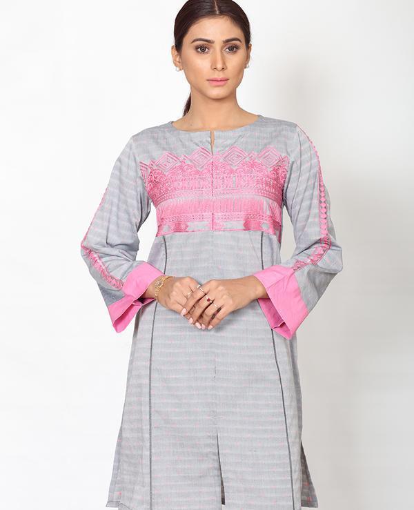 Ittehad Textiles Pakistani Brand Looking Dresses 2019