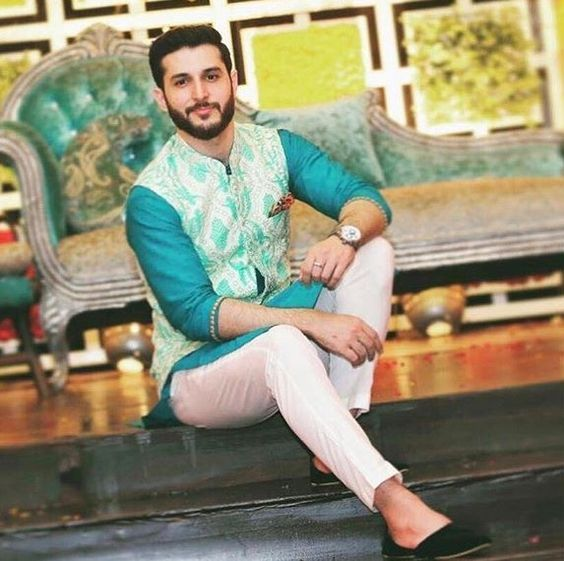 Awesome Traditional Mehndi Dresses for Men 2020