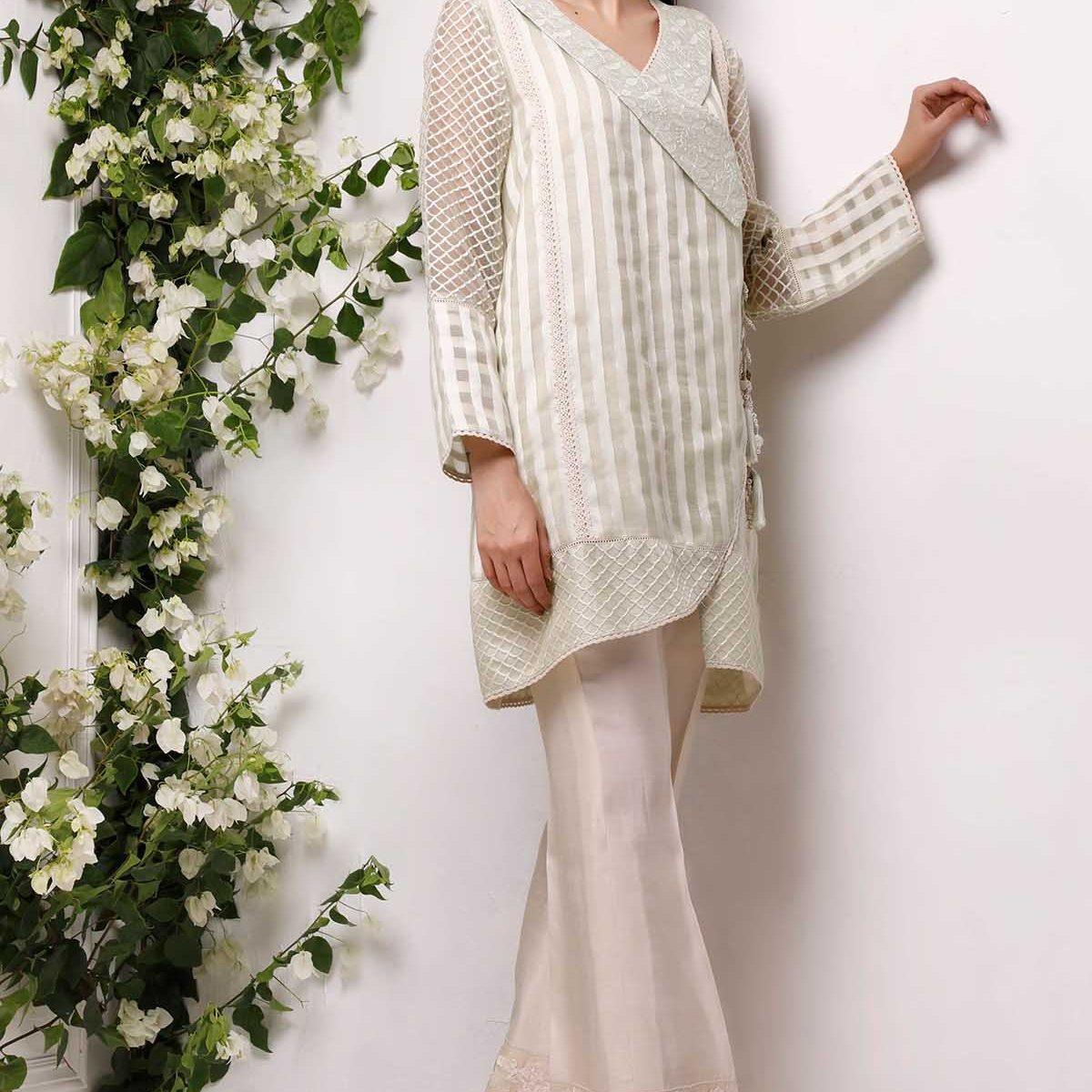 Awesome Sana Abbas Eid Summer Lawn Stylish Looks 2021